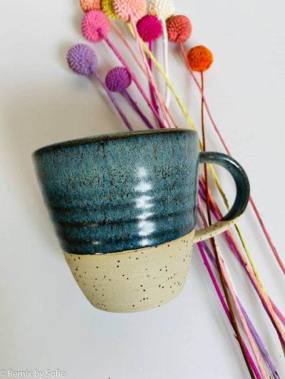 krus med hank blågrå,krus med hank, kop, krus, ember keramik, émber keramik, remix by Sofie