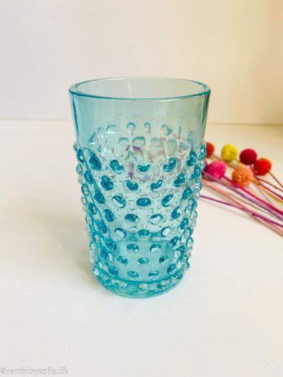 remix by sofie, anna von lipa pindsvine vandglas glas, anna von lipa, anna von lipa pindsvine glas, pindsvineglas, vandglas, drikkeglas, glas i pindsvineglasanna von lipa pindsvine glas, hobnail glasses,,,Pindsvine glas i lys aqua