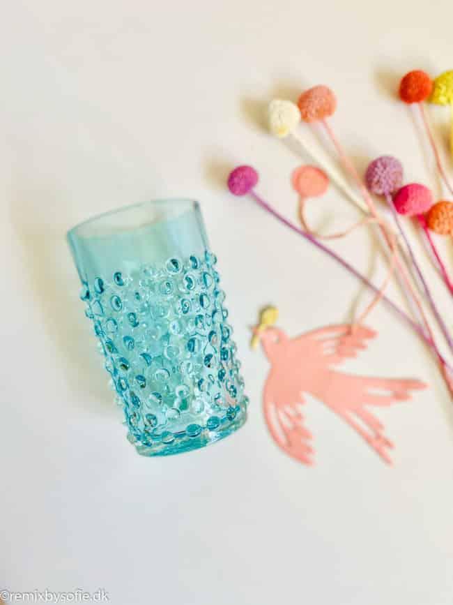 remix by sofie, anna von lipa pindsvine vandglas glas, anna von lipa, anna von lipa pindsvine glas, pindsvineglas, vandglas, drikkeglas, glas i pindsvineglasanna von lipa pindsvine glas, hobnail glasses,,Pindsvine glas i lys aqua