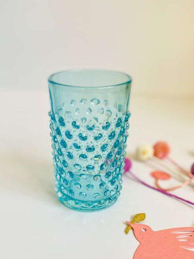 remix by sofie, anna von lipa pindsvine vandglas glas, anna von lipa, anna von lipa pindsvine glas, pindsvineglas, vandglas, drikkeglas, glas i pindsvineglasanna von lipa pindsvine glas, hobnail glasses,Pindsvine glas i lys aqua