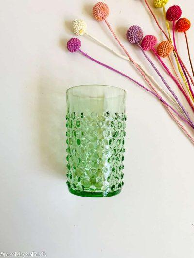 remix by sofie, anna von lipa pindsvine vandglas glas, anna von lipa, anna von lipa pindsvine glas, pindsvineglas, vandglas, drikkeglas, glas i pindsvineglasanna von lipa pindsvine glas, hobnail glasses,,Pindsvineglas i lysegrøn