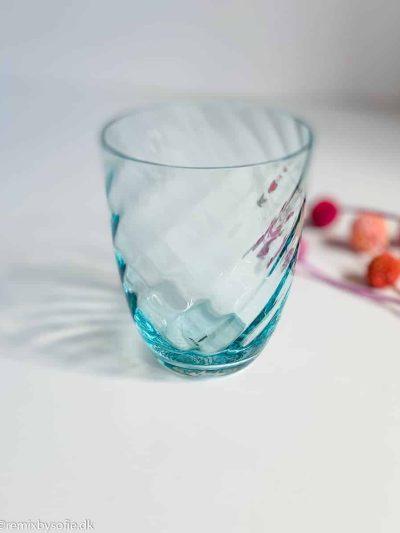 anna von lipa swirl glas tumbler fra mix and match i lys aqua