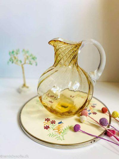 2 liters swirl kande i lys amber anna von lipa