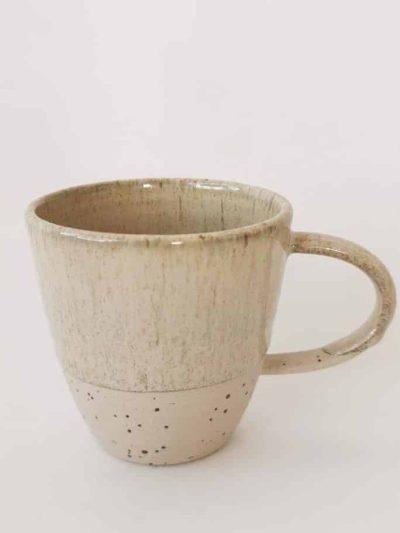 krus med hank creme, kop, krus, ember keramik, émber keramik, remix by Sofie