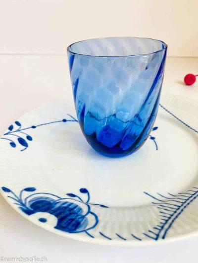anna von lipa swirl glas tumbler fra mix and match i kongeblå