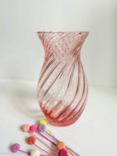 anna von lipa swirl vase oslo rosa lyserød