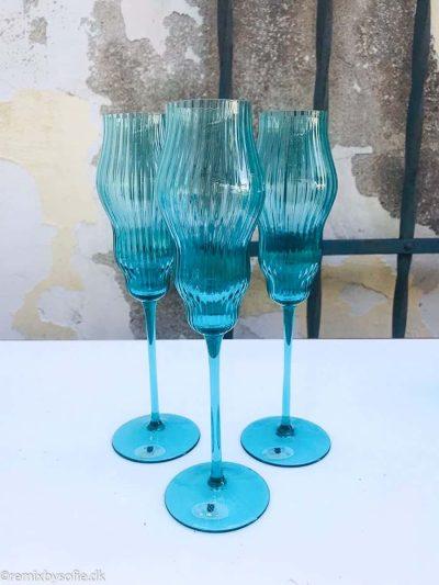 champagnefløjte, champagneglas, mundblæst glas,, mundblæste champagneglas i turkis