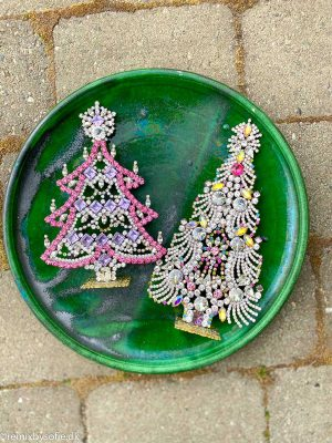rhinstens juletræ, rhinstenstræ, juletræ i rhinststen, vintage juletræ, juletræ i vintagesten, vintage rhinstone, juletræer i sten, julepynt,christmas tree rhinstones, christmas ornament, Czech christmastree, remix by sofiejuletræ i rhinsten, rhinstens juletræ, vintage juletræ, tjekkiske juletræer, Czech christmastree, Christmas ornaments