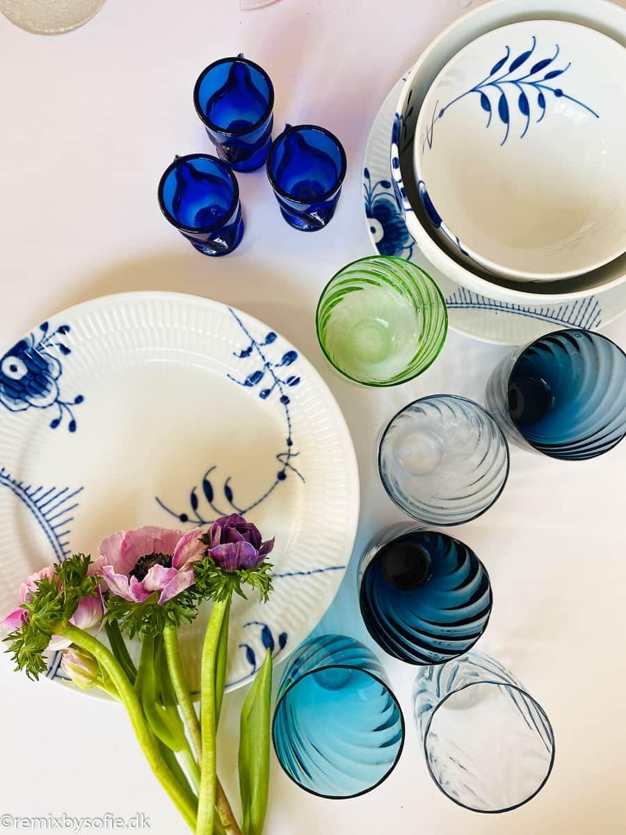 anna von lipa mix & match, swil glas, wawe glas, harlekin glas, tumbler, vand glas, drikkeglas, drinking glass, farvet glas, boliginteriør, borddækning, glas fra anna von lipa