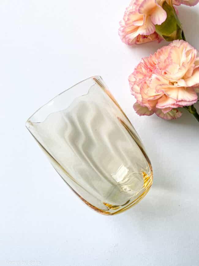 swirl glas i lys amber, anna von lipa mix & match, swirl glas, wawe glas, harlekin glas, tumbler, vand glas, drikkeglas, drinking glass, anna von lipa glas, remix by sofie anna von lipa forhandler,