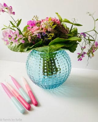 anna von lipa, pindsvine vase 24 cm lys aqua, vase i turkis, mundblæst glas, mundblæst vase