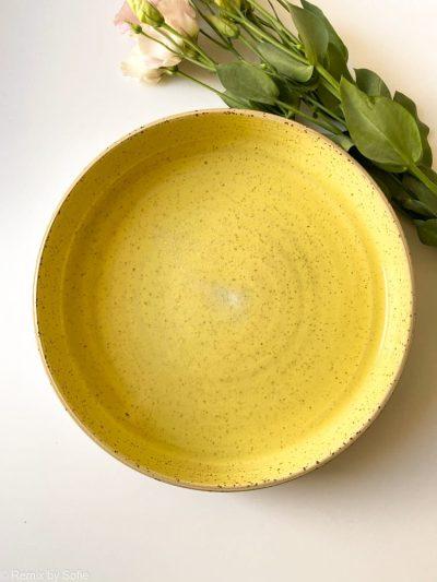 gult keramik fad, fad med høj kant, keramik fad, serveringsfad, fad ember keramik, fad émber keramik