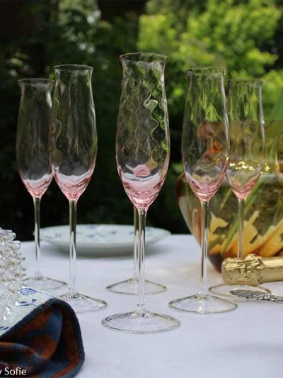 anna von lipa glas, annvonlipa vinglas, anna von lipa champagneglas, lyserøde glas, champagneglas, champagneskål, champagneflute, champagne fløjter, lyserøde champagneglas, champagne glas, glas med swirl