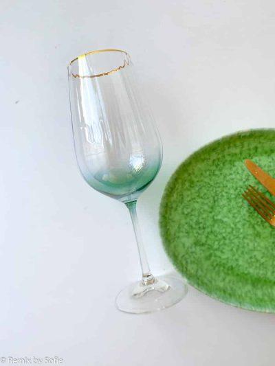 kate glas med guldkant grøn, vinglas, rødvinsglas, vinglas