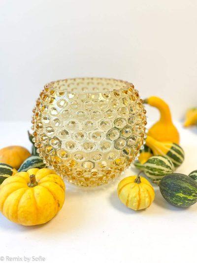 anna von lipa, pindsvinevase, vase i pindsvine glas, vase 18 cm, lys amber, vases, blomstervase, farvet glas, mundblæst glas