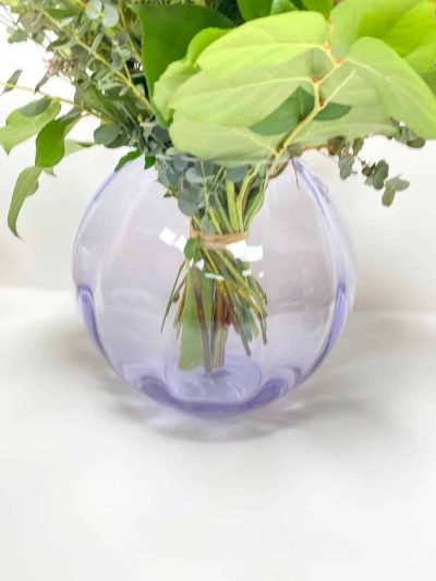anna von lipa. mundblæst vase, glas vase, krystal vase,pindsvinevase, hobnail vase, vase i glas, swirl, twisted glass, blomstervase