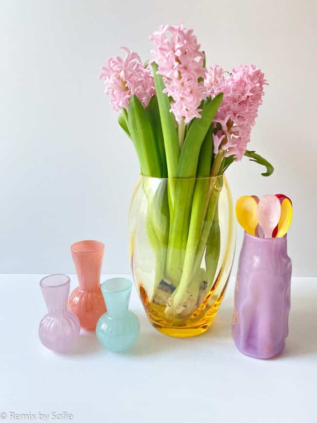 remix by sofie, anna von lipa, anna von lipa vase, anna von lipa glas, mundblæst glas, elipse vase, blomstervase, farvet glas,